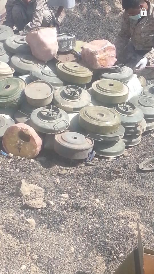 شاهد ألغام خطيرة كشفت عنها عمليات الإزالة في مأرب