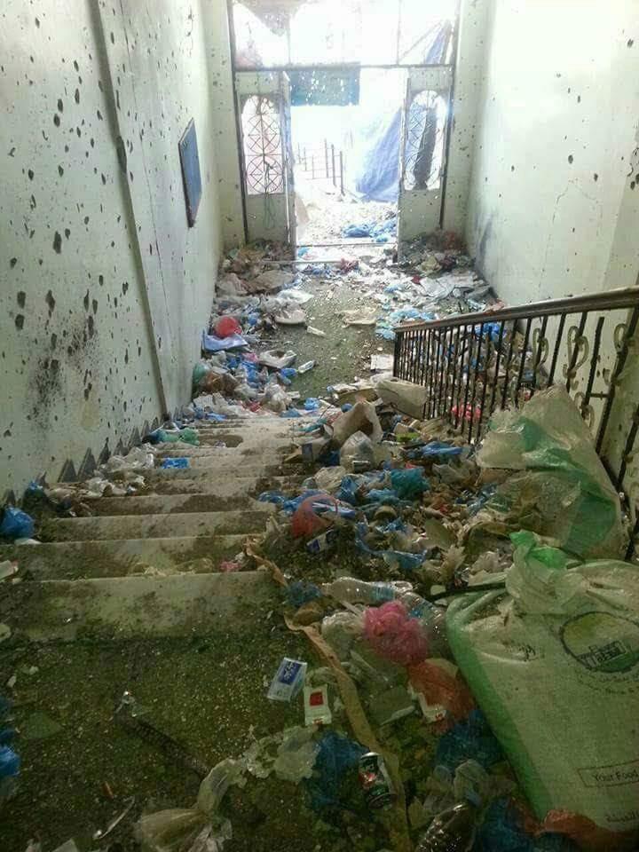 شاهد صورا لمسجد التوحيد بتعز ومقدار العبث الذي عبثت فيه مليشيا الحوثي