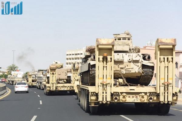 اللواء الرابع السعودي الأقوى تسليحا خليجيا وعربيا يصل الحدود اليمنية