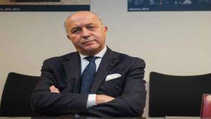 نجل وزير خارجية فرنسا يتسبب في مطالبات واسعة باستقالته