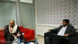 قيادي حوثي يظهر في إيران ويتوعد السعودية بالتوغل أكثر ناحية حدودها مع اليمن (ترجمة خاصة)