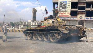 تعز: استشهاد قيادي في المقاومة والمواجهات مستمرة في أكثر من جبهة (تقرير ميداني)