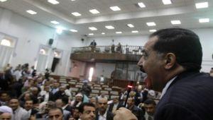 البرلمان اليمني من الجمود الى الحرب.. قراءة في مسيرة البرلمان (بروفايل)