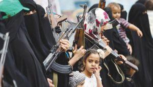 تجنيد الأطفال يرتفع 500 ..% والزج بنساء اليمن يشي بضعف الحوثي وصالح