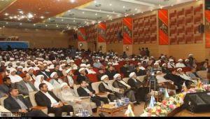 حمود عباد يظهر في مؤتمر طائفي بإيران ويدعو لاستلهام الفكر الشيعي في اليمن (ترجمة خاصة)