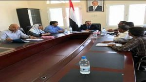 وزير الإعلام يوجه بسرعة استئناف بث إذاعة عدن