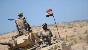 مقتل 10 عسكريين مصريين في انفجار عبوتين ناسفتين بسيناء
