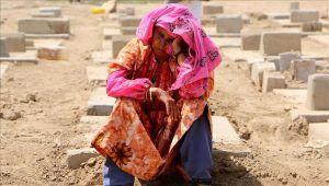 """اليمن.. """"مقابر الشهداء"""" تنافس الملاهي في العيد"""