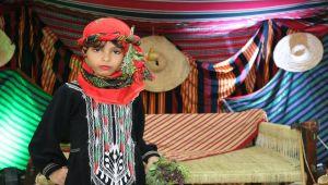 زفاف في تعز يستعيد تراث المدينة بالشيلان والمشاقر والرقصات (تقرير مصور)