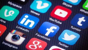 هل تؤثر تعليقات المتابعين في وسائل التواصل الاجتماعي على أفكار وقناعات الشخصيات؟ (تقرير)