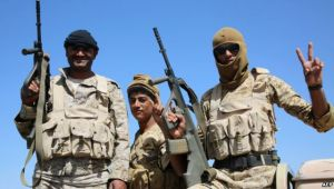 محللون: استهداف إصلاح عدن تجريف للحياة السياسية وإضعاف للشرعية (تقرير)