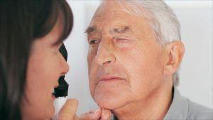 عيناك تخبرانك بالكثير عن حالتك الصحية