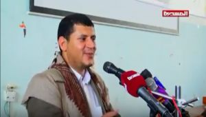 مشرف الحوثيين بذمار يسخر من الصحابي أبو هريرة ويتهمه بالكذب والجُبن والنفاق (شاهد)