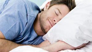 """النوم العميق.. """"صرف صحي"""" لطرد نفايات الدماغ"""