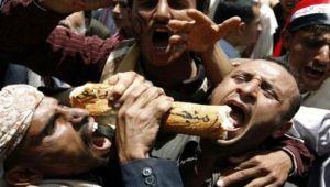 ثورة جياع.. من المسؤول عن تدهور الاقتصاد والوضع المعيشي في اليمن؟