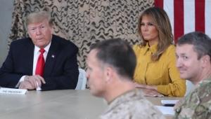"""ترامب يسافر بطائرة مطفأة الأضواء و""""حزين"""" لدخول العراق سرا"""