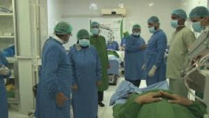 تدشين مخيم النور الطبي المجاني بمستشفى مكة التخصصي بعدن