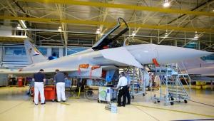 الجارديان: المجالس المحلية في بريطانيا تستثمر في شركات الأسلحة المتورطة باليمن (ترجمة خاصة)