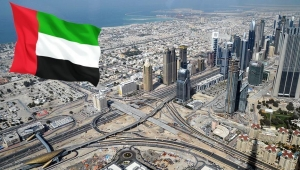 """الإماراتي عبد الخالق عبد الله يثير حفيظة السعوديين بـ""""الرمز 971"""""""