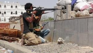 مقتل 23 حوثياً في مواجهات مع الجيش وغارات للتحالف غربي تعز