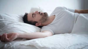 النوم أقل من سبع ساعات في الليل يمكن أن يتلف الحمض النووي