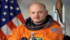 رائد فضاء أمريكي ومرشح لمجلس الشيوخ يُعيد أموالا تلقاها من الإمارات