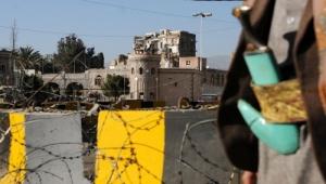 بسبب انقطاع الكهرباء.. اليمنيون تحت رحمة تجار المولدات (تقرير)