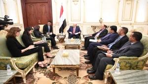 هادي  يستقبل مساعدة الأمين العام للأمم المتحدة للشؤون السياسية