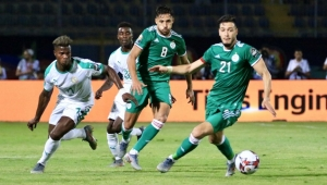 الجزائر تقهر السنغال وتتأهل للدور ثمن النهائي