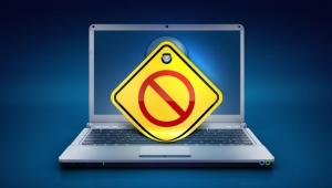 حرب الإنترنت في مصر.. تشريد للصحفيين وحجب لمئات المواقع