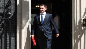 بريطانيا تسعى لتشكيل قوة بحرية أوروبية لتأمين الملاحة في مضيق هرمز