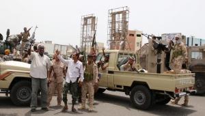 سقوط عدن.. حدث يذكر بسقوط صنعاء وتساؤلات عن دور الشرعية والتحالف (رصد)