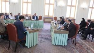 يعد الخامس.. طهران تحتضن اجتماعا يجمع وفدا حوثيا بسفراء أربع دول أوربية