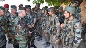 إدلب.. قوات النظام تسيطر على خان شيخون وتحاصر نقطة مراقبة تركية