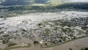 """الأقوى منذ 60 عاما.. ضحايا وأضرار في اليابان جراء الإعصار """"هاغيبيس"""""""