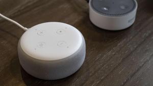 قد تحولها إلى أدوات للتنصت.. ثغرة جديدة بمكبرات صوت غوغل وأمازون