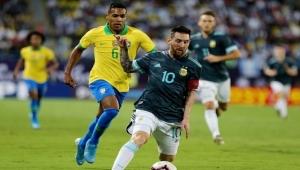 ميسي يمنح الأرجنتين فوزا جديدا على البرازيل