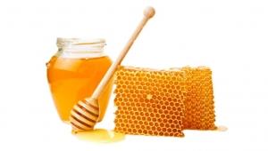 لماذا لا ينبغي وضع العسل في المشروب الساخن؟
