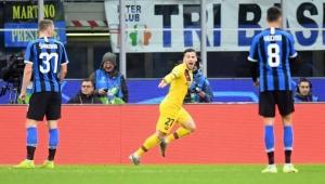 بعيدا عن ميسي.. برشلونة يهزم إنتر بملعبه ويهدي دورتموند بطاقة ثمن النهائي