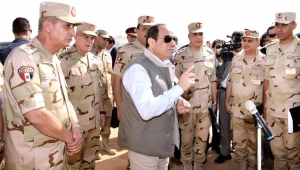يزيد الصايغ: مصر بعد 2013 أصبحت ملكا للمؤسسة العسكرية