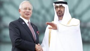 هذا ما دار بين بن زايد وعبد الرزاق.. الكشف عن مكالمات مسجلة بقضية فساد هزت ماليزيا