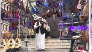 وسط تغيرات اجتماعية.. سوق الآلات الموسيقية تزدهر في السعودية