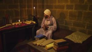يهودي يكتب القرآن ومسيحي ينسخ تفسير الطبري.. الوراقون وصناعة الكتاب في الحضارة الإسلامية