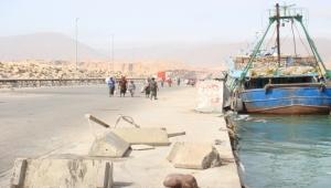 مسلحون يهاجمون ميناء نشطون في المهرة