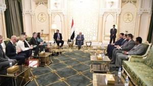 هادي يؤكد التزام حكومته باتفاق ستوكهولم