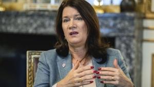 وزيرة خارجية السويد تصل عدن