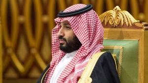 كاتب بريطاني: كورونا يصب الزيت على معركة التاج السعودي