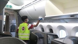 كورونا.. السعودية تعلق الطيران الداخلي وسيارات الأجرة والقطارات