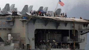 كورونا يجبر البحرية الأميركية على إخلاء حاملة الطائرات روزفلت من طاقمها