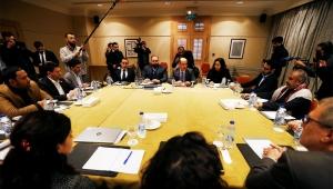 اتهامات متبادلة بين الحكومة والحوثيين بشأن عرقلة اتفاق تبادل الأسرى